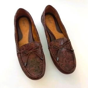 b.o.c ladies brown flats, loafers size 9.5